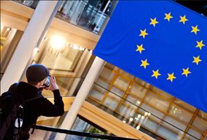 Grandes 'lobbies' urgen a Bruselas a actuar contra la economía colaborativa ilegal