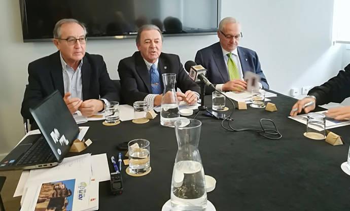 UNAV reinventa sus jornadas con un gran debate entre directivos de grupos punteros