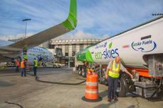United opera vuelos propulsados por biocarburante
