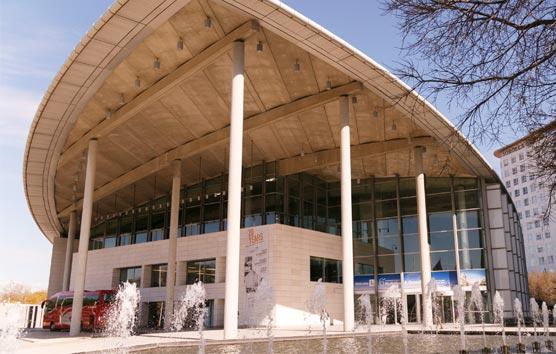 El verano lleva a más de 6.000 delegados al Palacio de Congresos de Valencia