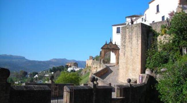 Turismo de Valencia sanciona la actividad de ocho bancos de camas en toda la región