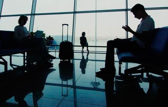 Los turistas internacionales gastan 5.500 millones en España por negocios