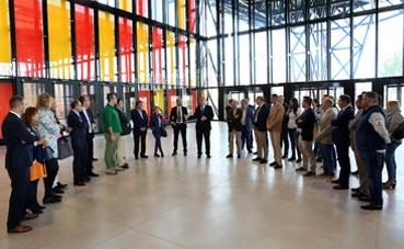 Empresarios de León visitan el nuevo Palacio