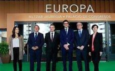 400 personas acuden a inaugurar el Palacio Europa