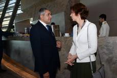 Zurab Pololikashvili y la secretaria de Estado de Turismo, Isabel Oliver.