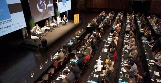 Expertos en Turismo y economía se han dado cita en el XIII Foro de la Asociación catalana.