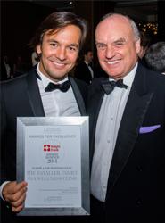 La familia Bataller, fundadora de Sha Wellness Clinic, recibe el premio Knight Frank a la Excelencia e Innovación