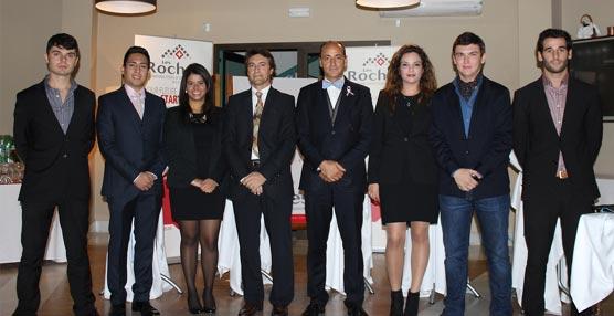 Seis estudiantes de Les Roches Marbella, investidos miembros de la Fraternidad hotelera Eta Sigma Delta