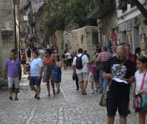España recibirá más de 17 millones de turistas en el segundo trimestre gracias a la celebración de la Semana Santa en abril