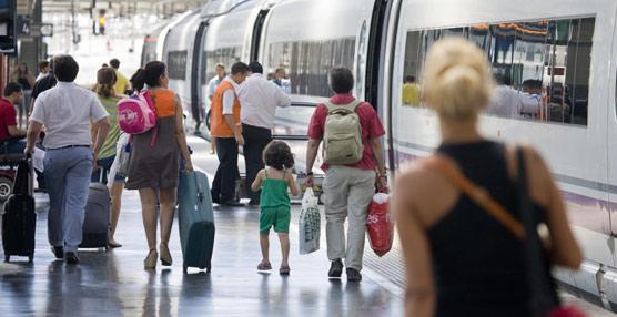 El AVE supera por cuarto mes consecutivo al avión en el mercado doméstico y crece en abril por encima del 21% respecto a 2013