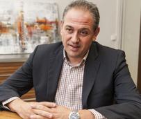 Lucini subraya que 'estamos notando en el Sector una pequeña recuperación' y augura una buena temporada de verano