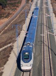 El AVE Madrid-Barcelona gana un 9% de viajeros hasta junio, alcanzando una cuota respecto al avión del 61%