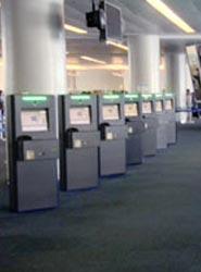 United instala quioscos automatizados de control de pasaportes que reducen el tiempo de espera en Nueva York