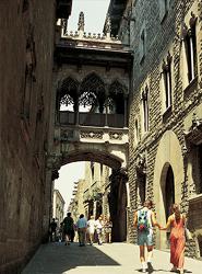Barcelona insta a las agencias de viajes a implicarse en preservar el equilibrio entre el Turismo y la vida ciudadana