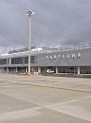 El Sector MICE de Navarra colaborará con el Consejo de Turismo para optimizar el Aeropuerto de Pamplona