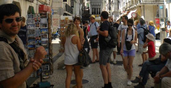 El gasto de los españoles en viajes al extranjero aumenta en 400 millones en temporada alta respecto a 2013