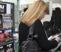 Los jóvenes de entre 18 y 24 años, único perfil que abandona la tendencia de comprar 'paquetes' en agencias de viajes físicas