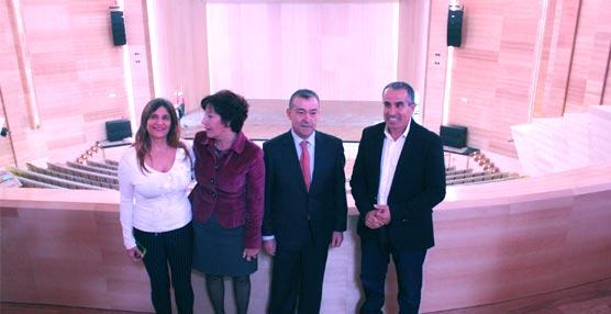 El Edificio de Formación y Congresos de Fuerteventura acoge hoy su primer evento con la actuación del tenor Juan Diego Flórez