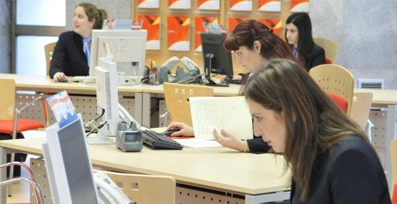 Agencias de viajes y turoperadores crean empleo en 2014 por primera vez desde el inicio de la crisis económica