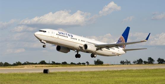 United Airlines ofrece una promoción con millas de premio para los viajeros de clase Premium