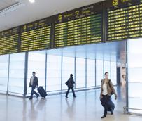 Los pagos de los españoles para viajar al extranjero ascienden a 12.450 millones hasta noviembre, un 9% más que en 2013
