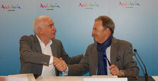 El consejero de Educación, Cultura y Deporte, Luciano Alonso, con el presidente de UNAV, José Luis Prieto.