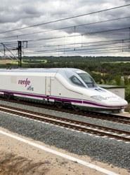 El transporte ferroviario de pasajeros genera en España 2.055 millones en 2014, un 5% más que el año anterior