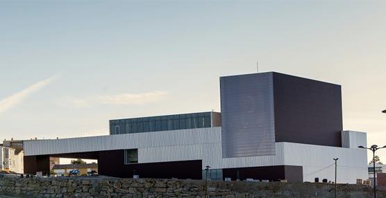 Estepona inaugura un nuevo espacio para la cultura y los congresos con una capacidad de 600 personas en su sala principal