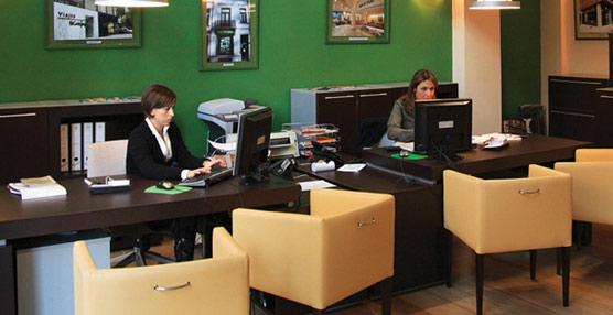 Agencias de viajes y turoperadores contratan a más de 2.350 personas entre febrero y marzo, rozando los 51.400 empleados