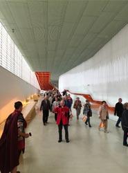 El Palacio de Congresos El Batel muestra sus espacios a más de 700 turistas procedentes de Austria