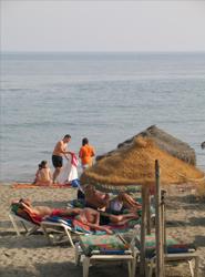 Los españoles gastarán de media 2.273 euros durante las vacaciones de verano, según American Express