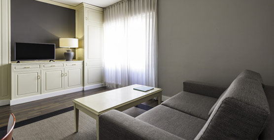 El ILUNION Suites Madrid dona casi 300 muebles a la Asociación Nacional de Ciegos de Albania